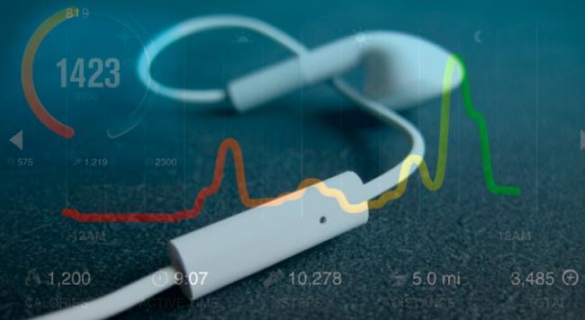 Apple разработала «умные наушники»